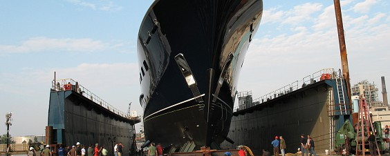 Air Casters Contribute to Successful 2998 Ton Yacht Launch